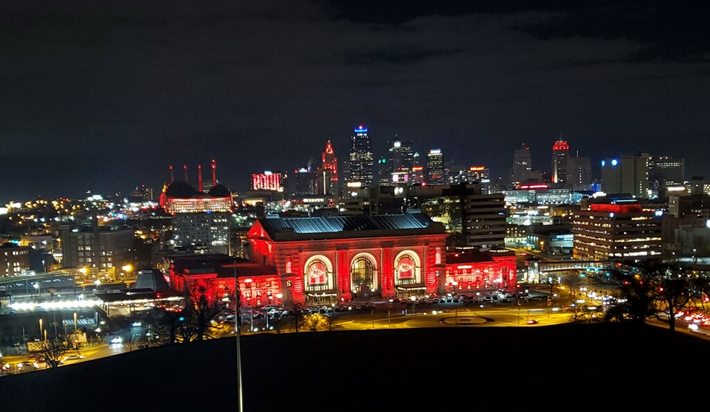 Union Station showcases Chiefs colors to honor their Super Bowl win
